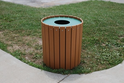 Picture of Jayhawk Plastics  PB32R 32 Gallon Outdoor Trashcan